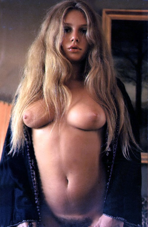 A-pulpy-girl-with-a-resemblance-to-Brigitte-Bardot.jpg